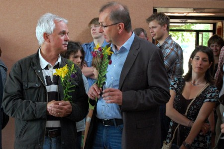 Eroeffnung-TurnhalleOB-Kurt-Machens-im-Gespraech-mit-Henning-Hamelmann